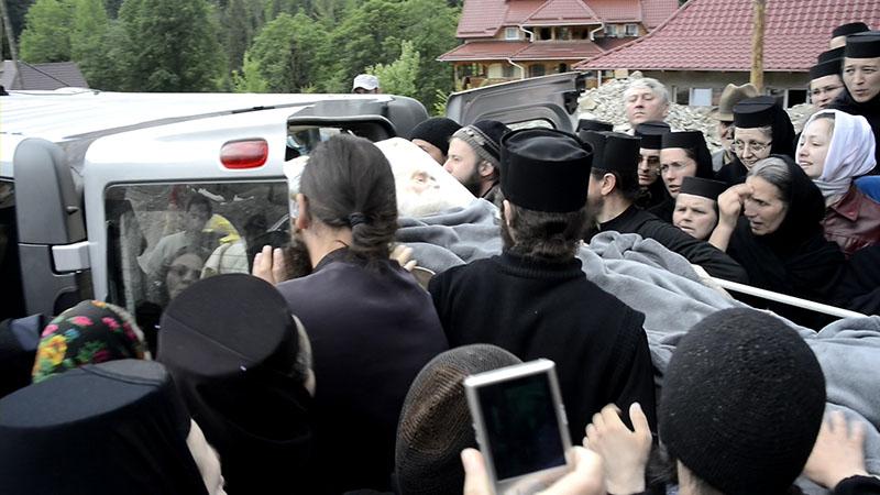 Părintele Justin s-a întors la chilia sa din Mănăstirea Petru Vodă, azi, Miercuri, 29 Mai 2013