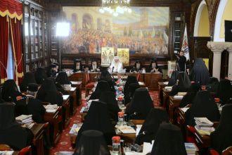Sinodul B.O.R. despre studiul Religiei în învăţămînt şi despre cardurile de sănătate