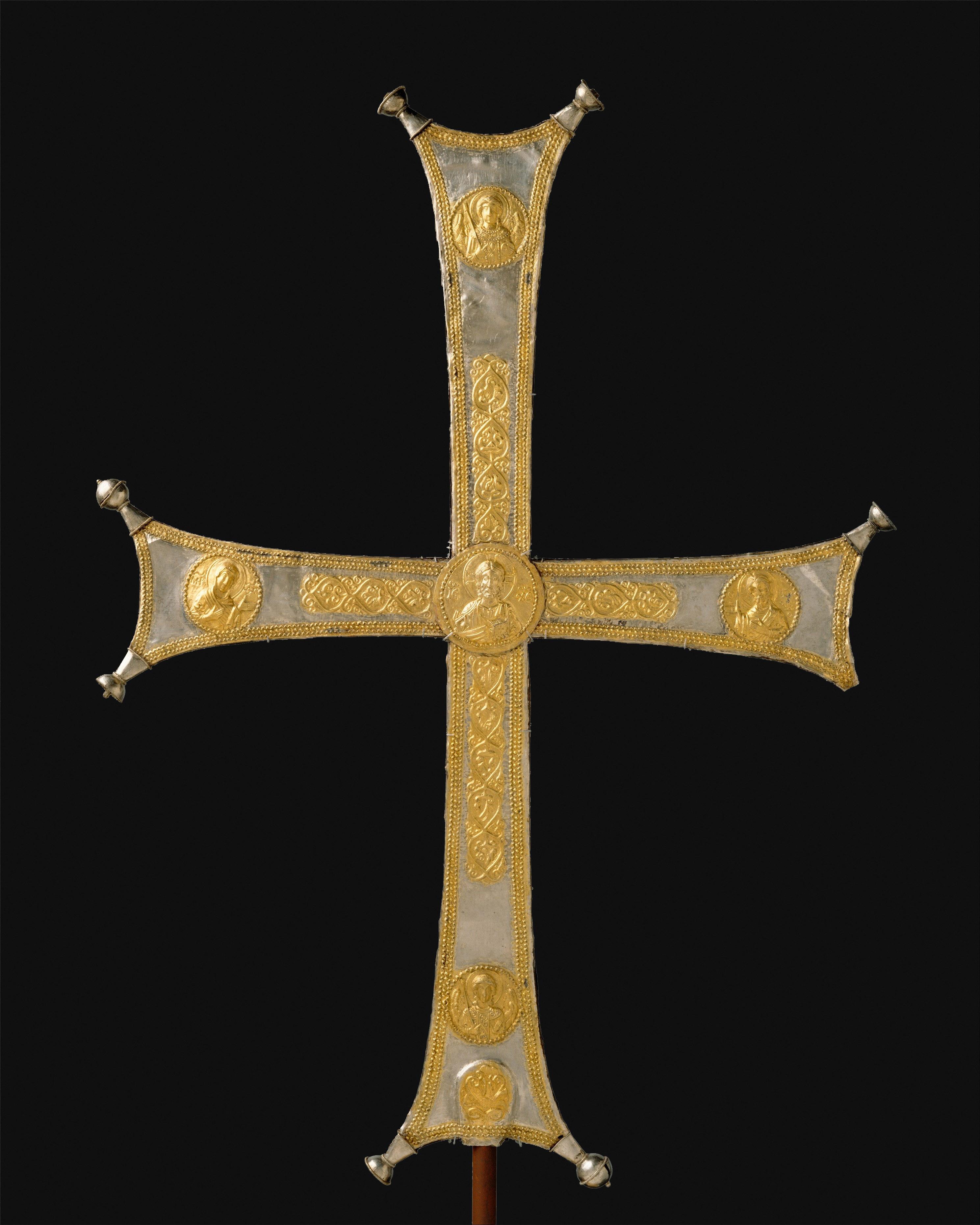 Cruce-de-procesiune.s11.Byzanţ.azi-la-Metropolitan-Museum-din-New-York