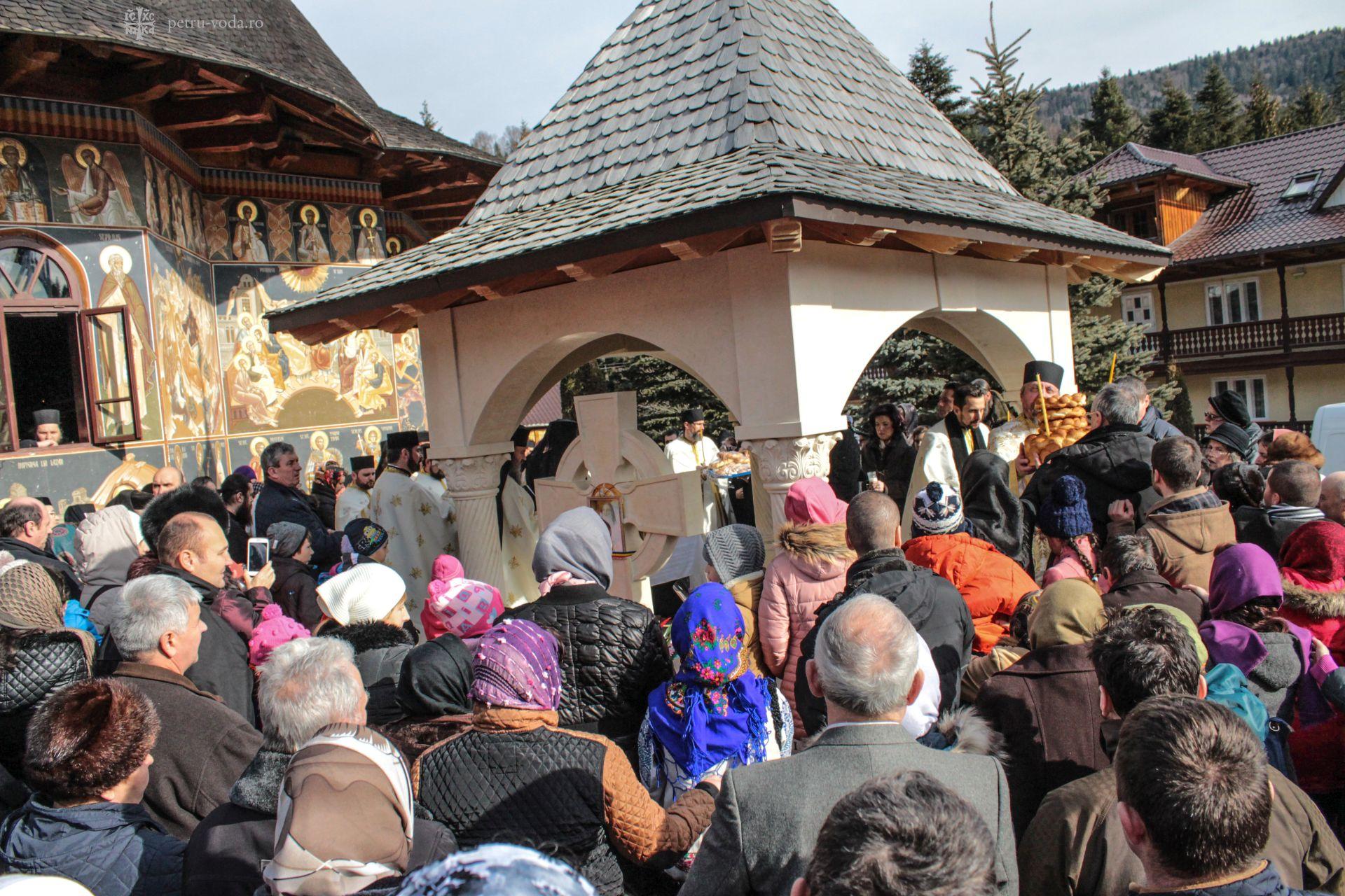 97 de ani de la naşterea Părintelui Justin Pârvu. Iubirea poporului român pentru duhovnicul său
