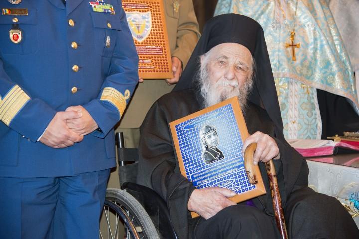 Diplomă de onoare pentru părintele Paulin Clapon