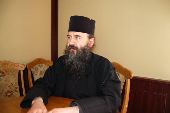 Părintele Justin despre cel ce va păstori obştea Mănăstirii Petru Vodă după ce cuvioşia sa se va muta la Domnul