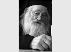 """Părintele Justin Pârvu: """"Nu lipsiţi de la biserică, fiindcă este mama noastră"""""""