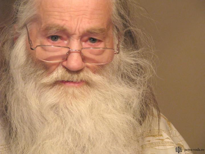 Cuvântul Părintelui Justin Pârvu către participanţii la miting (14 Martie 2013): Aşteptăm un răspuns la cele 1 milion de semnături adunate împotriva actelor electronice