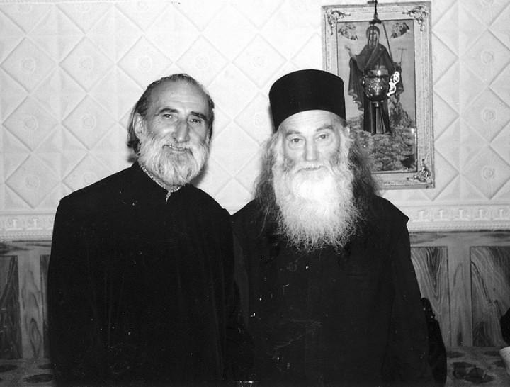 """Părintele Constantin Voicescu la Târgu Ocna: """"Martirii strigă azi de sub pământul sfânt pe care-l călcăm să ne întoarcem la Hristos, la Biserică. Valeriu, suntem aici!"""""""