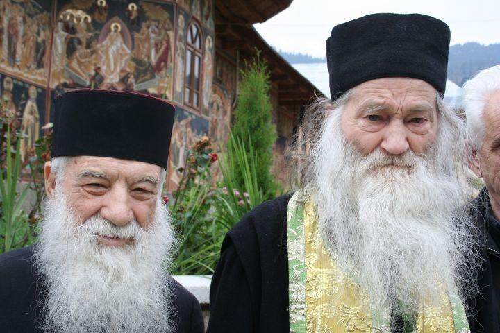 Programul slujbelor astăzi, 2 Mai şi mîine, 3 Mai 2014, în Mănăstirea Petru Vodă