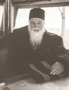 Părintele Gheorghe Calciu despre umblarea pe mare a Mîntuitorului Iisus Hristos